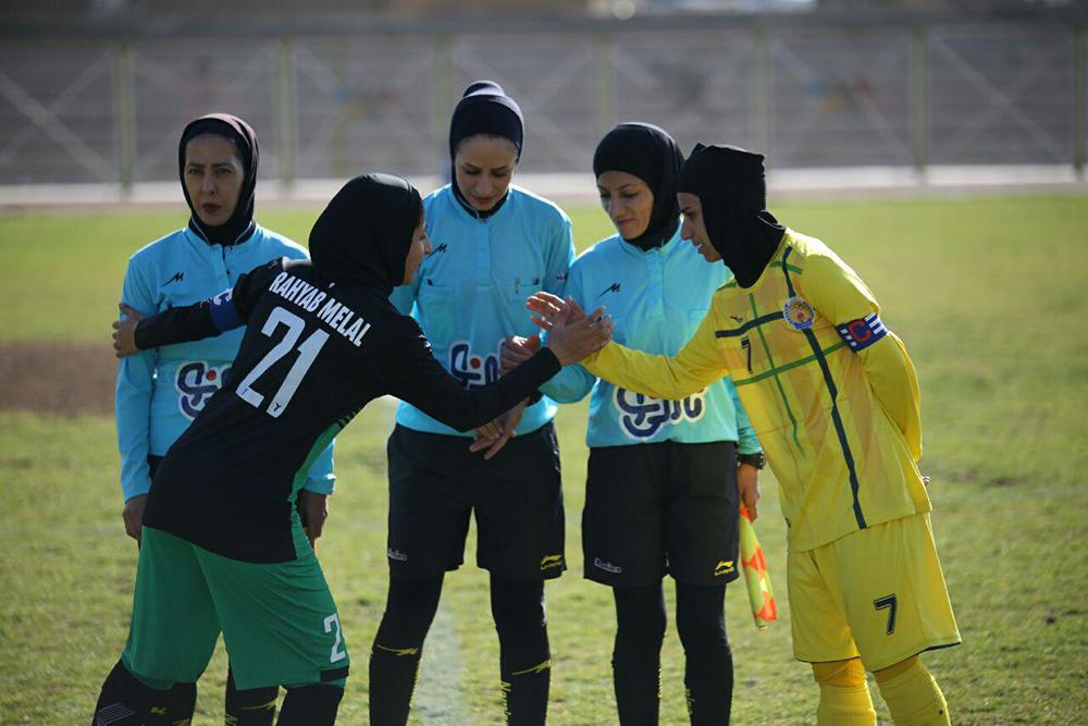 ۷ نفر از بازیکنان تیم فوتبال بانوان شهرداری سیرجان به تیم ملی پیوستند