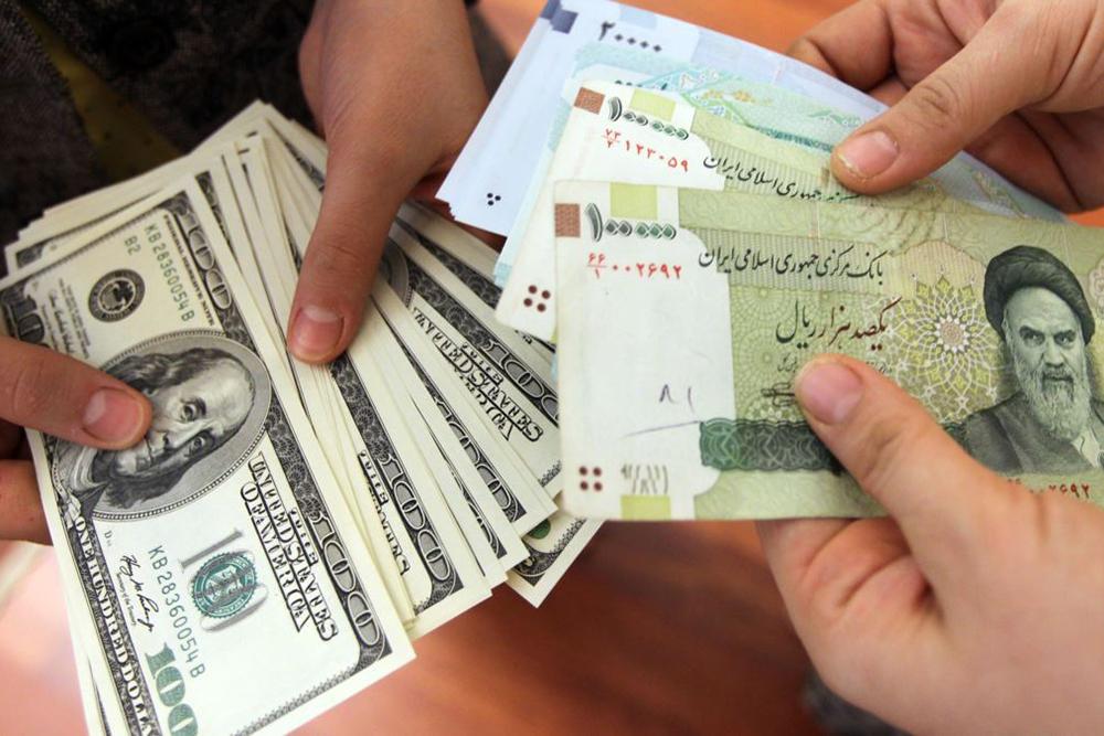 بازگشت دلار به کانال ۱۲ هزار تومانی