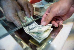 سراشیبی بازار دلار