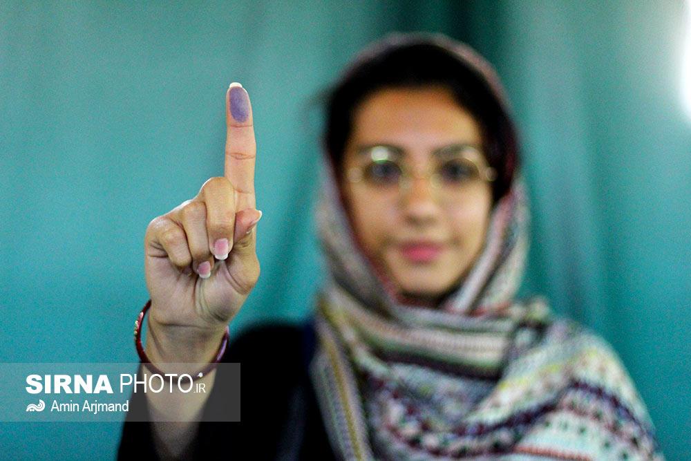حضور گسترده مردم سیرجان در پای صندوقهای رای