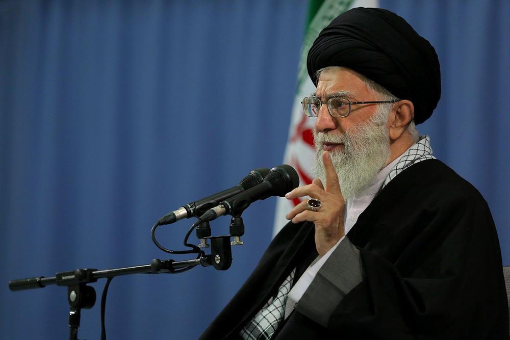 بنده از طرف ملت ایران میگویم: آقای ترامپ! شما غلط میکنید