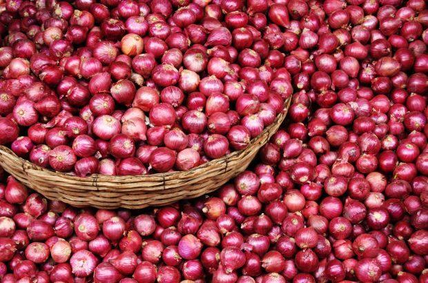 پیاز ۱۵ هزار تومانی فقط هزار پانصد تومان از کشاورز خریداری شده است!