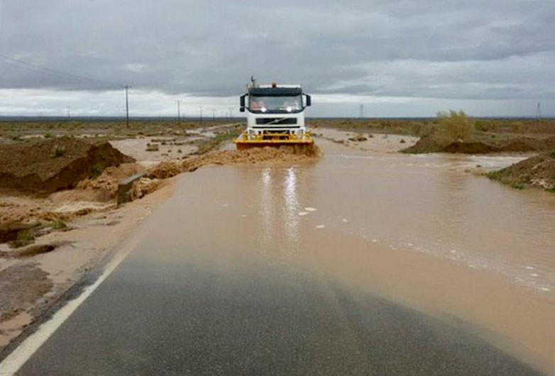 جاده راور- دیهوک همچنان مسدود است