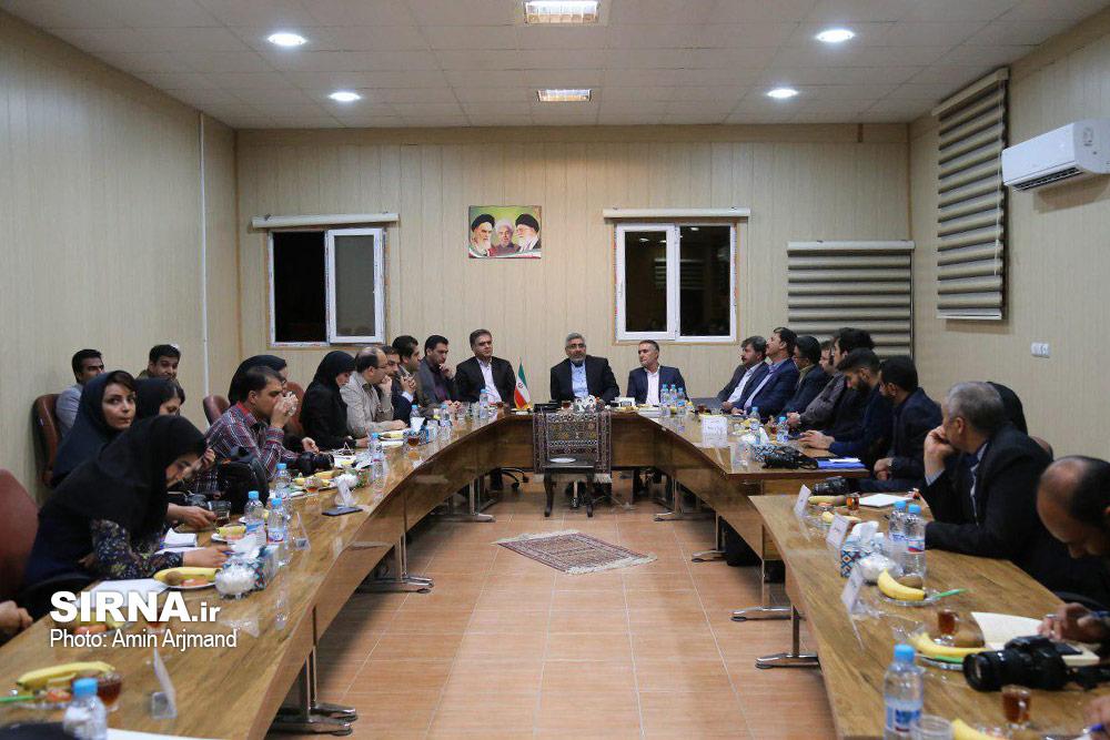 نشست مطبوعاتی سرپرست جدید فرمانداری با اصحاب رسانه