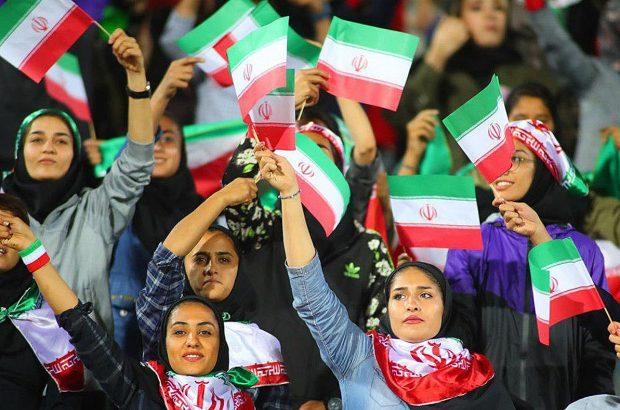 فدراسیون موافق ورود زنان به ورزشگاههاست