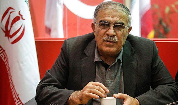 وزیر ورزش نباید از راهروهای وزارت مدیرعامل انتخاب کند/ من با مدیرعامل استقلال قهرم