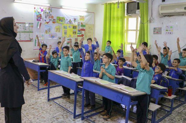 بازنشستگان کرمانی به کلاسهای درس باز میگردند