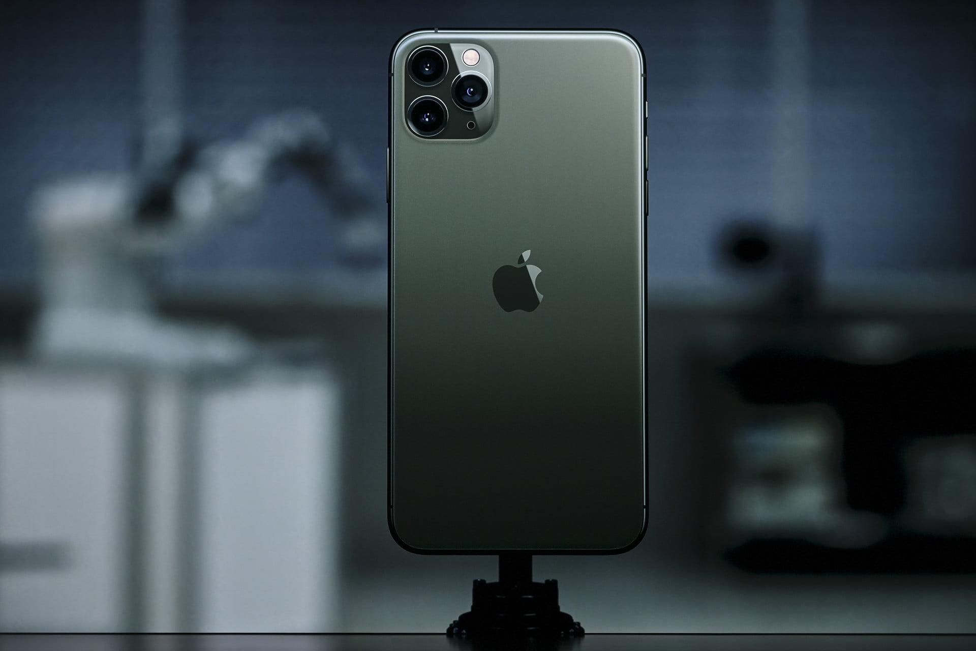 اپل از آیفون ۱۱ رونمایی کرد