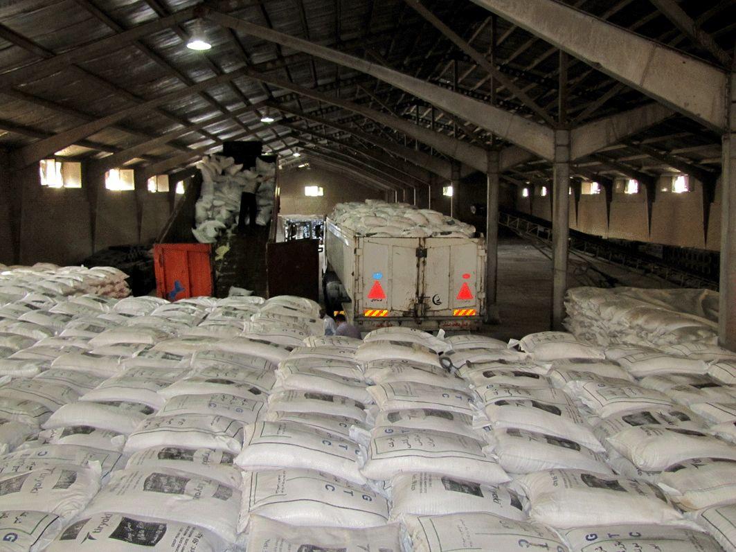 ترانزیت ۵۲۰۰ تن شکر آلوده به گمرک سیرجان