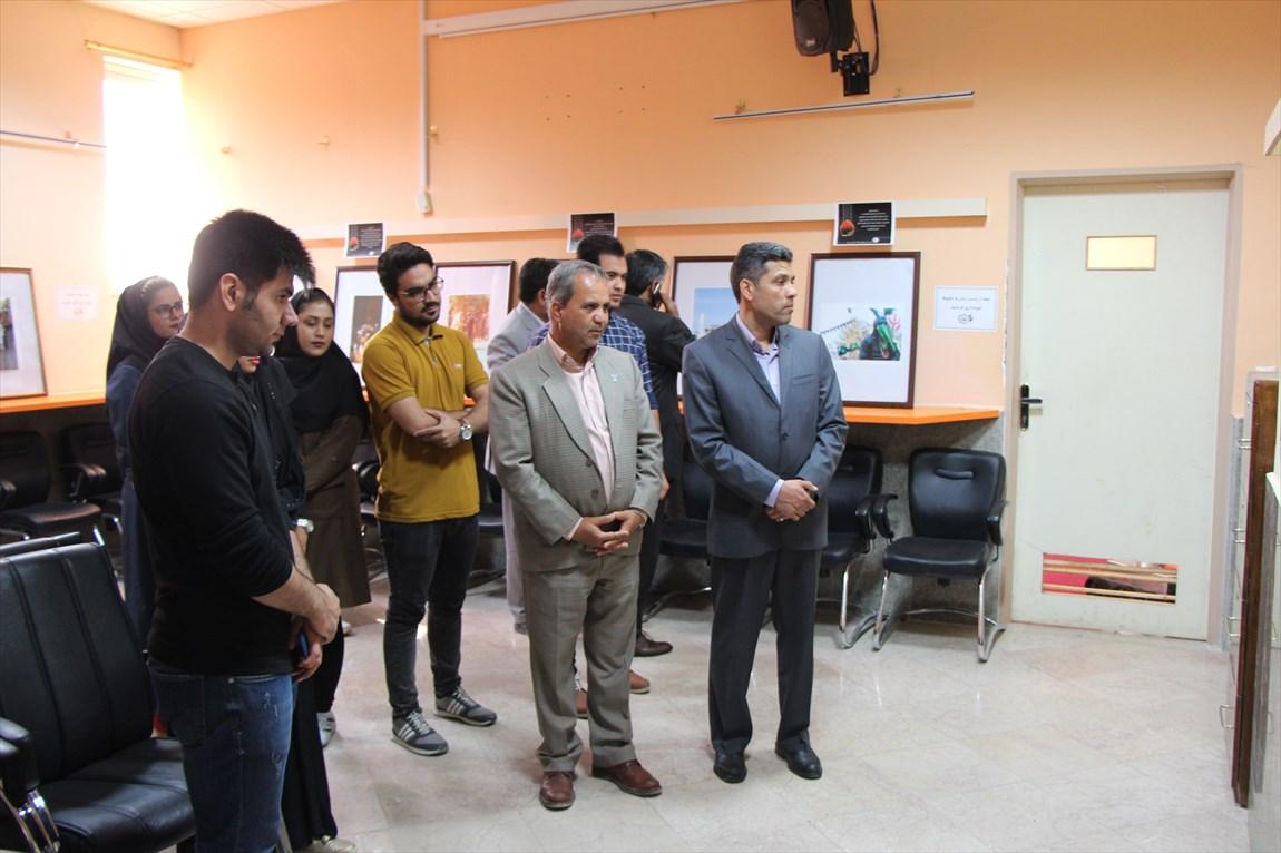 برپایی نمایشگاه عکس عاشورایی در دانشگاه آزاد اسلامی سیرجان
