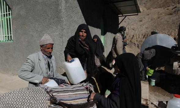 آقای رئیس جمهور کرمان آب می خواهد نه فولاد
