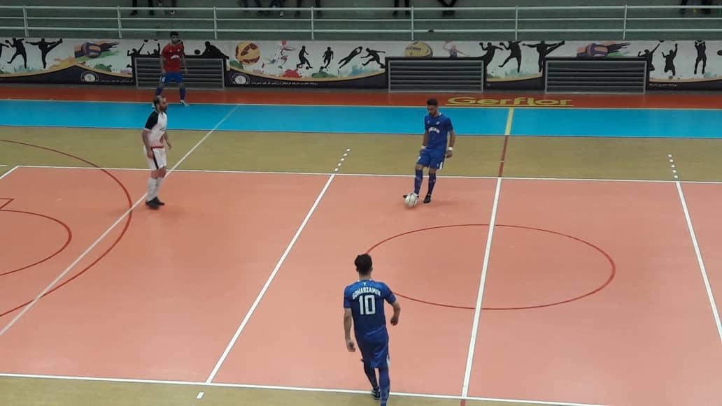 تیم فوتسال فولاد سیرجان ایرانیان برای بازی مرحله پایانی بازیهای لیگ دسته اول فوتسال کشور آماده میشود