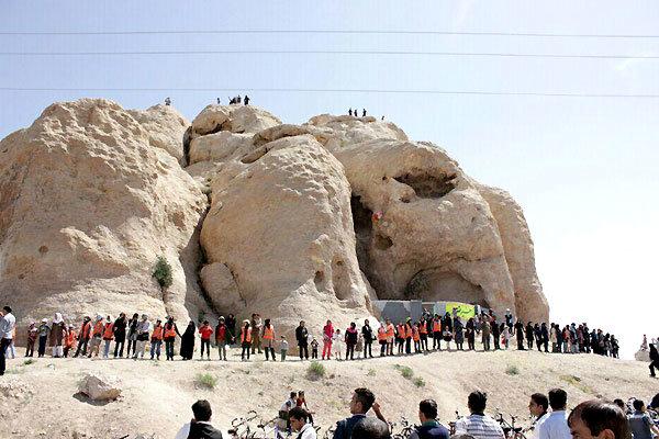 محوطه تاریخی کوه بیبیدن سیرجان ثبت ملی شد