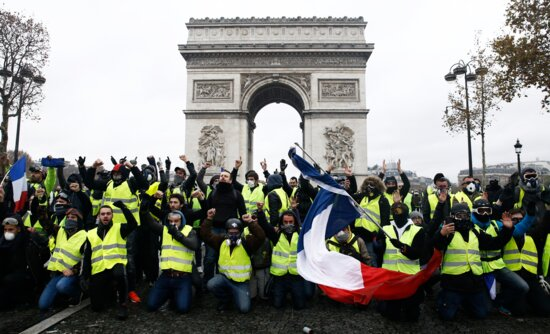معترضان فرانسوی دوباره به خیابانها آمدند