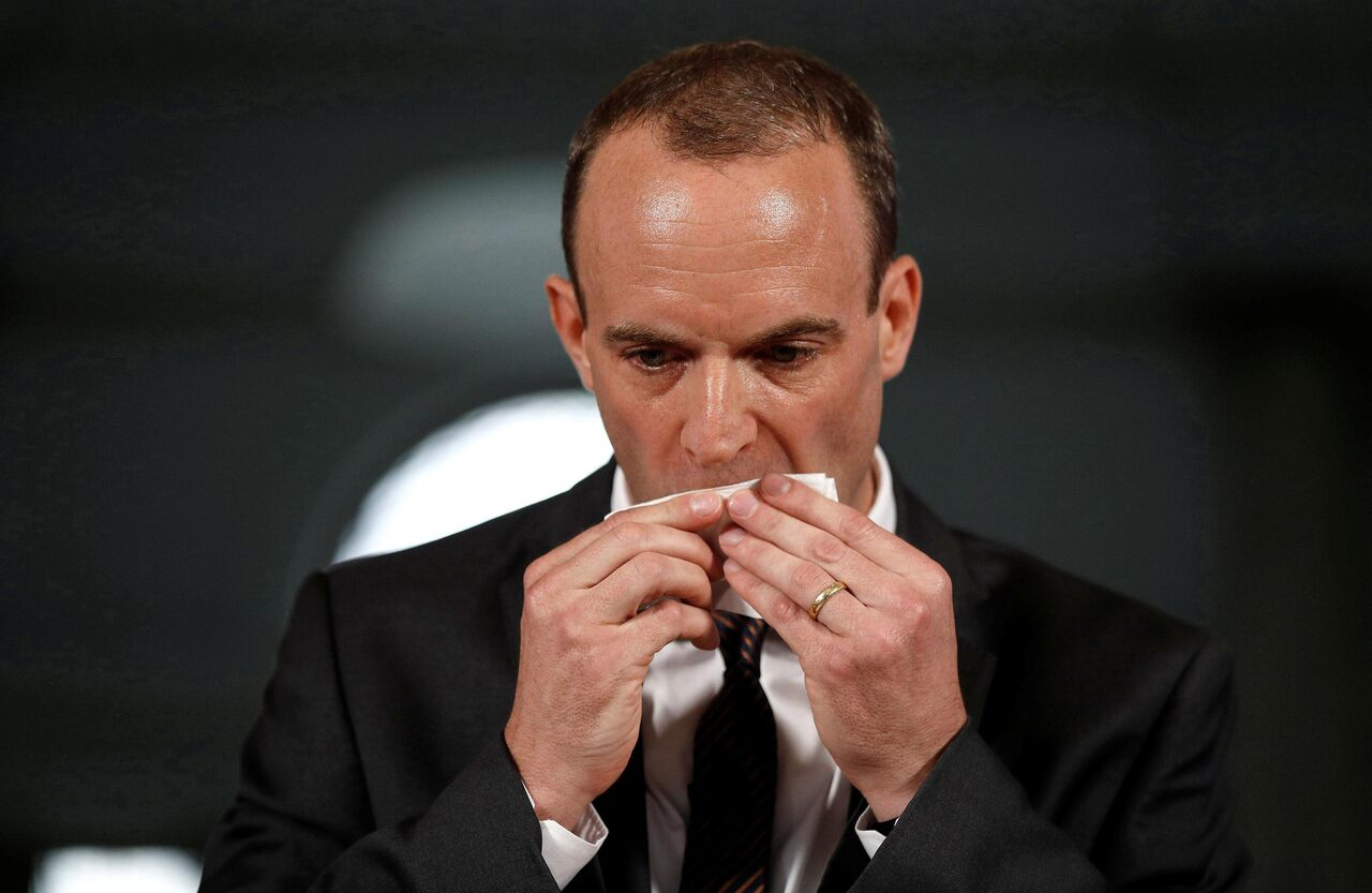 خطر از بیخ گوش وزیر خارجه انگلیس گذشت
