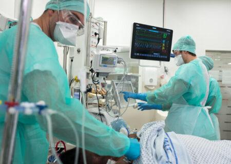 ۱۷ هزار پرسنل درمانی در جهان قربانی کرونا شدهاند