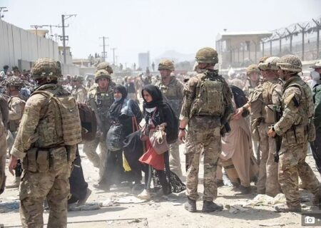 انگلیس تا حداکثر ۳۶ ساعت آینده خروج از افغانستان را تکمیل میکند