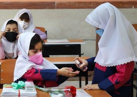 بیش از ۶۰ درصد دانش آموزان سیرجانی واکسینه شدند